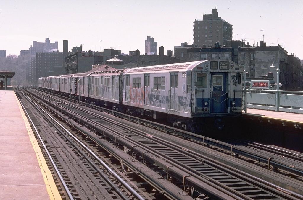 (210k, 1024x678)<br><b>Country:</b> United States<br><b>City:</b> New York<br><b>System:</b> New York City Transit<br><b>Line:</b> IRT West Side Line<br><b>Location:</b> 207th Street<br><b>Route:</b> 1<br><b>Car:</b> R-22 (St. Louis, 1957-58) 7515 <br><b>Photo by:</b> Joe Testagrose<br><b>Date:</b> 4/10/1976<br><b>Viewed (this week/total):</b> 3 / 5197