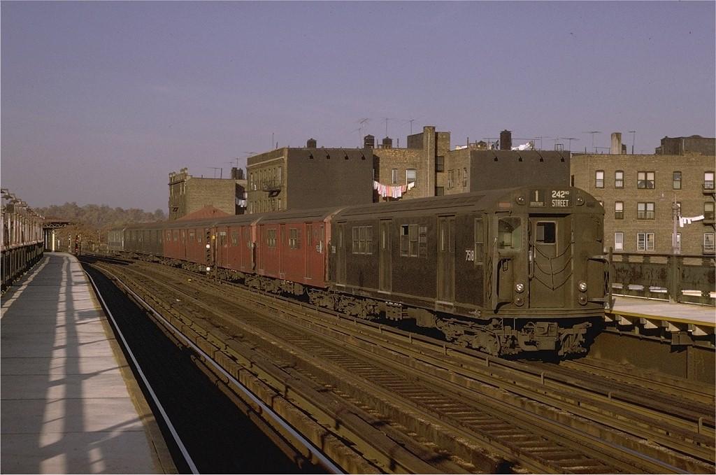 (186k, 1024x679)<br><b>Country:</b> United States<br><b>City:</b> New York<br><b>System:</b> New York City Transit<br><b>Line:</b> IRT West Side Line<br><b>Location:</b> 238th Street <br><b>Route:</b> 1<br><b>Car:</b> R-22 (St. Louis, 1957-58) 7518 <br><b>Photo by:</b> Joe Testagrose<br><b>Date:</b> 11/7/1970<br><b>Viewed (this week/total):</b> 0 / 2567