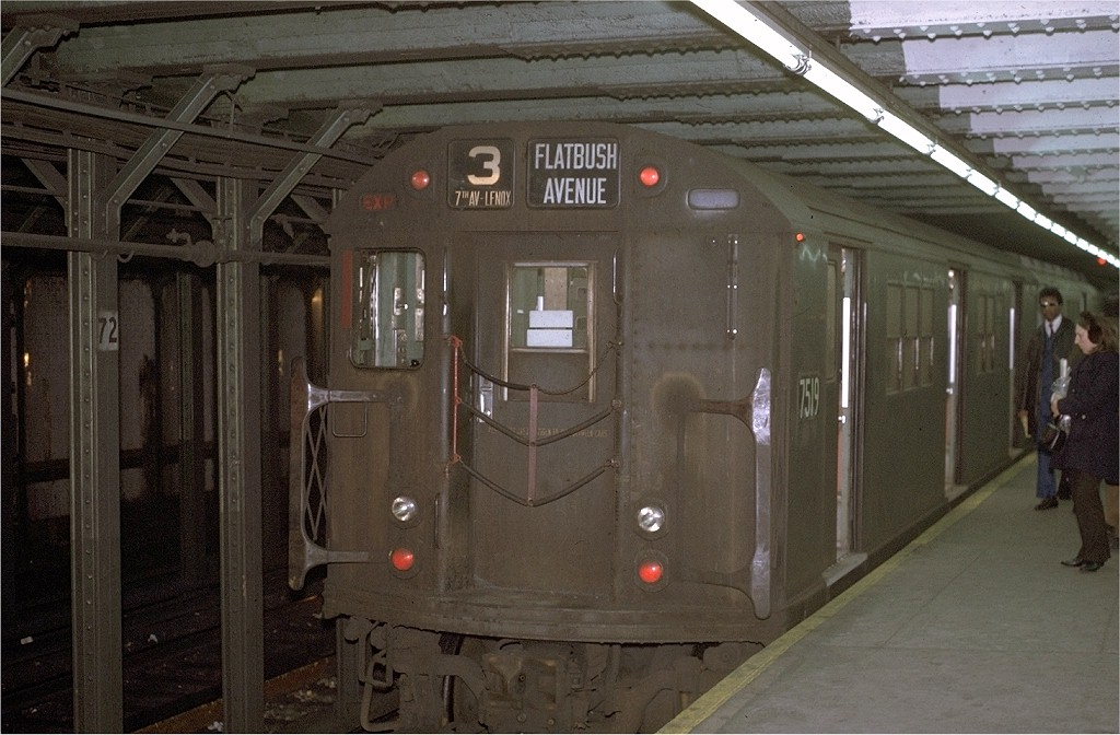 (188k, 1024x672)<br><b>Country:</b> United States<br><b>City:</b> New York<br><b>System:</b> New York City Transit<br><b>Line:</b> IRT West Side Line<br><b>Location:</b> 72nd Street <br><b>Route:</b> 3<br><b>Car:</b> R-22 (St. Louis, 1957-58) 7519 <br><b>Photo by:</b> Joe Testagrose<br><b>Date:</b> 1/2/1971<br><b>Viewed (this week/total):</b> 1 / 3103