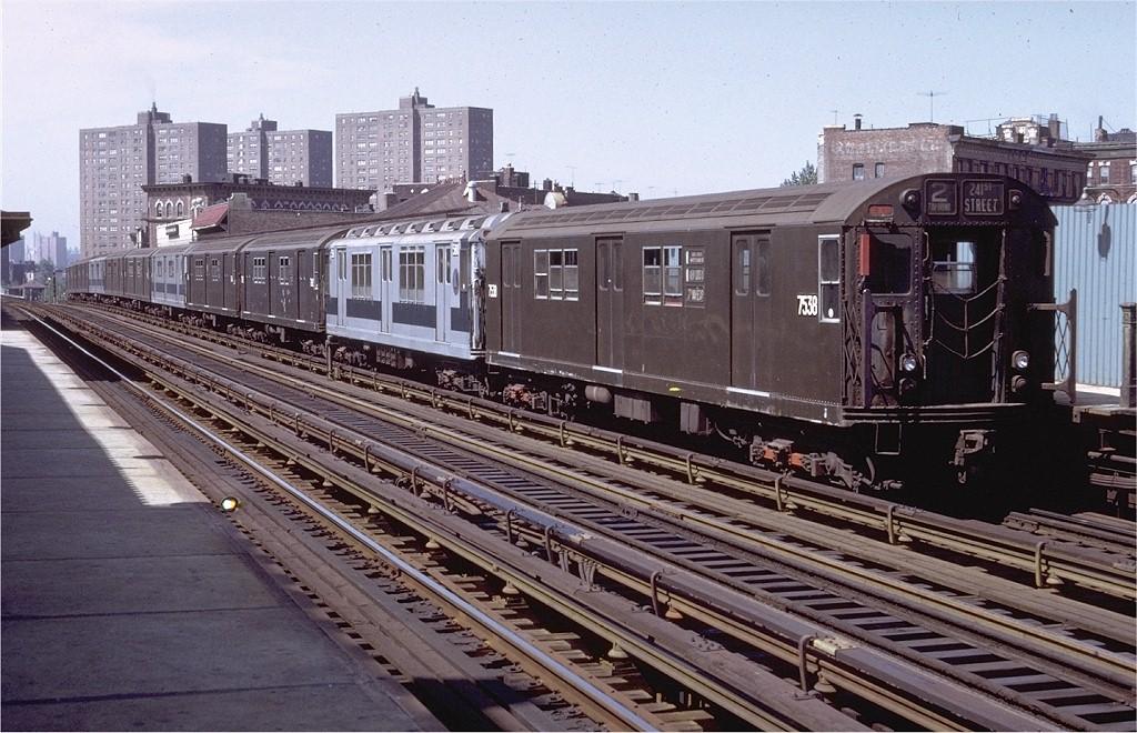 (229k, 1024x660)<br><b>Country:</b> United States<br><b>City:</b> New York<br><b>System:</b> New York City Transit<br><b>Line:</b> IRT White Plains Road Line<br><b>Location:</b> Prospect Avenue <br><b>Route:</b> 2<br><b>Car:</b> R-22 (St. Louis, 1957-58) 7538 <br><b>Photo by:</b> Doug Grotjahn<br><b>Collection of:</b> Joe Testagrose<br><b>Date:</b> 8/22/1971<br><b>Viewed (this week/total):</b> 2 / 2910