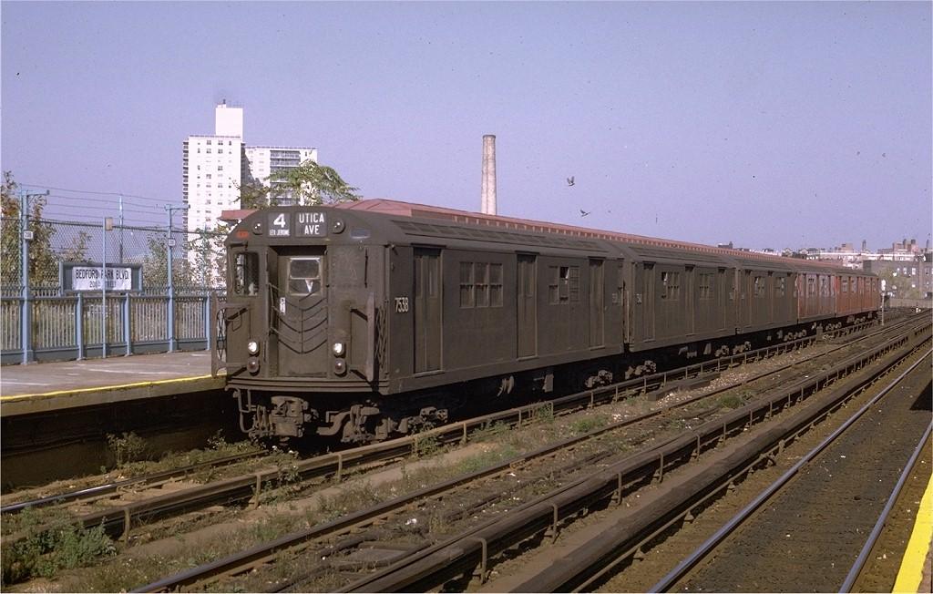 (198k, 1024x652)<br><b>Country:</b> United States<br><b>City:</b> New York<br><b>System:</b> New York City Transit<br><b>Line:</b> IRT Woodlawn Line<br><b>Location:</b> Bedford Park Boulevard <br><b>Route:</b> 4<br><b>Car:</b> R-22 (St. Louis, 1957-58) 7538 <br><b>Photo by:</b> Joe Testagrose<br><b>Date:</b> 10/26/1969<br><b>Viewed (this week/total):</b> 1 / 3243
