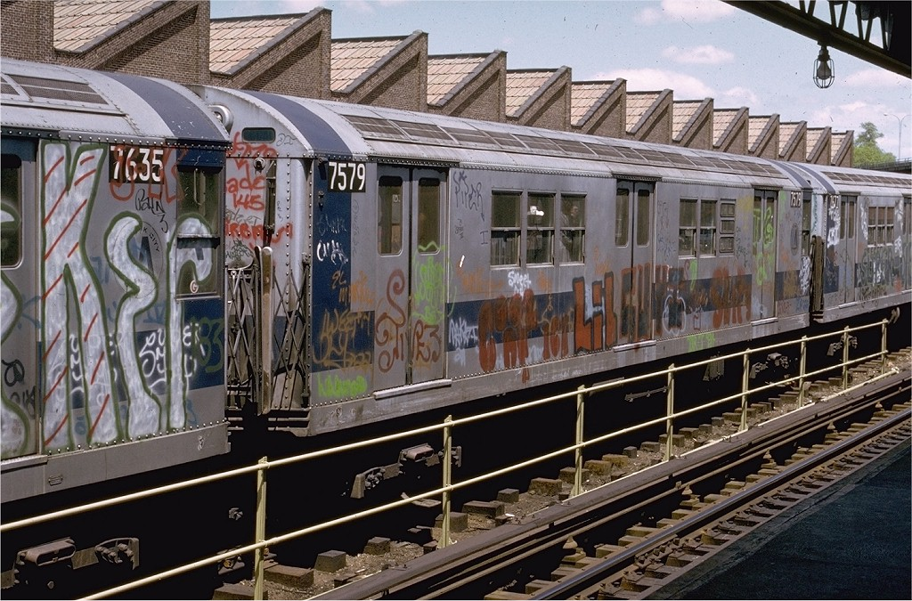 (254k, 1024x675)<br><b>Country:</b> United States<br><b>City:</b> New York<br><b>System:</b> New York City Transit<br><b>Location:</b> East 180th Street Yard<br><b>Car:</b> R-22 (St. Louis, 1957-58) 7579 <br><b>Photo by:</b> Joe Testagrose<br><b>Date:</b> 5/6/1973<br><b>Viewed (this week/total):</b> 3 / 3331