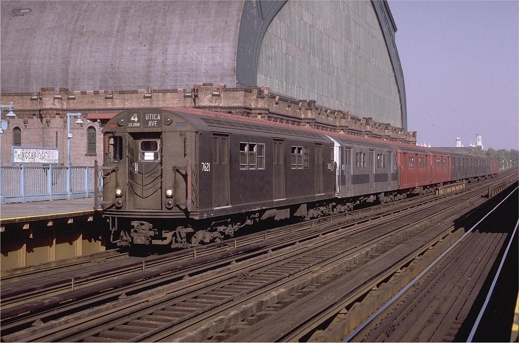 (259k, 1024x677)<br><b>Country:</b> United States<br><b>City:</b> New York<br><b>System:</b> New York City Transit<br><b>Line:</b> IRT Woodlawn Line<br><b>Location:</b> Kingsbridge Road <br><b>Route:</b> 4<br><b>Car:</b> R-22 (St. Louis, 1957-58) 7621 <br><b>Photo by:</b> Joe Testagrose<br><b>Date:</b> 11/7/1970<br><b>Viewed (this week/total):</b> 1 / 3677