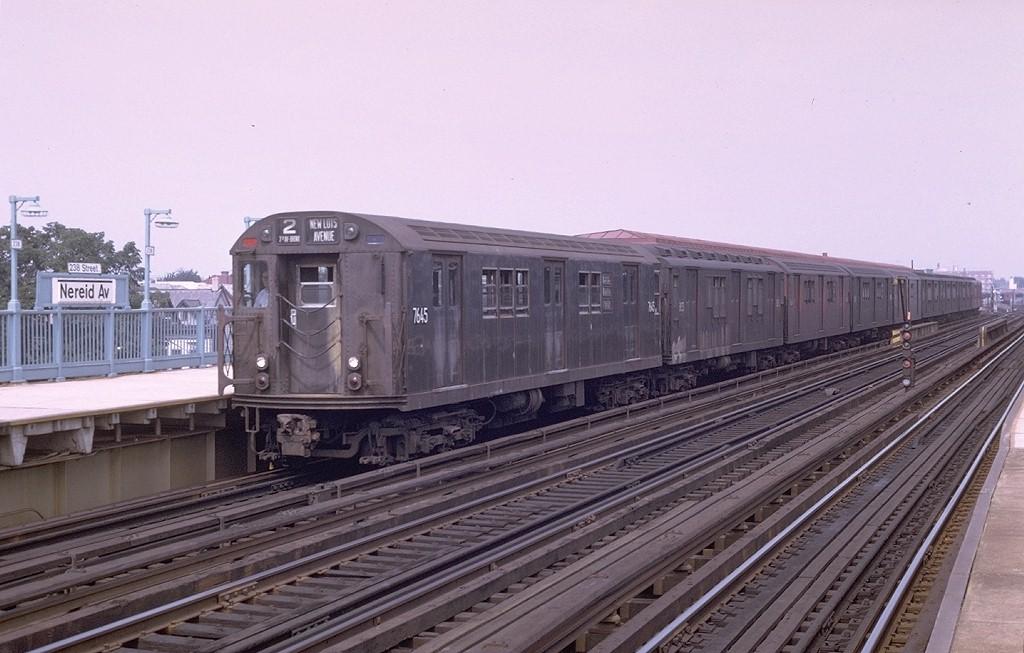(177k, 1024x653)<br><b>Country:</b> United States<br><b>City:</b> New York<br><b>System:</b> New York City Transit<br><b>Line:</b> IRT White Plains Road Line<br><b>Location:</b> 238th Street (Nereid Avenue) <br><b>Route:</b> 2<br><b>Car:</b> R-22 (St. Louis, 1957-58) 7645 <br><b>Photo by:</b> Joe Testagrose<br><b>Date:</b> 8/19/1969<br><b>Viewed (this week/total):</b> 6 / 3442