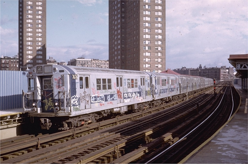 (226k, 1024x681)<br><b>Country:</b> United States<br><b>City:</b> New York<br><b>System:</b> New York City Transit<br><b>Line:</b> IRT White Plains Road Line<br><b>Location:</b> Jackson Avenue <br><b>Route:</b> 2<br><b>Car:</b> R-22 (St. Louis, 1957-58) 7676 <br><b>Collection of:</b> Joe Testagrose<br><b>Date:</b> 2/3/1973<br><b>Viewed (this week/total):</b> 7 / 4627