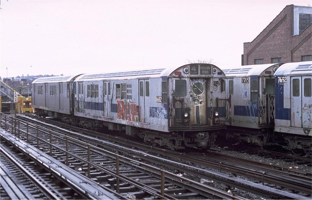 (182k, 1024x656)<br><b>Country:</b> United States<br><b>City:</b> New York<br><b>System:</b> New York City Transit<br><b>Location:</b> East 180th Street Yard<br><b>Car:</b> R-17 (St. Louis, 1955-56) 6682 <br><b>Photo by:</b> Joe Testagrose<br><b>Date:</b> 11/3/1979<br><b>Viewed (this week/total):</b> 2 / 4184