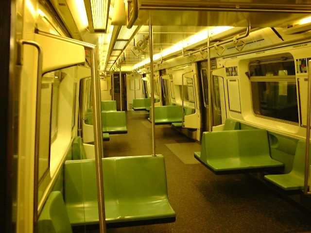 (67k, 640x480)<br><b>Country:</b> United States<br><b>City:</b> New York<br><b>System:</b> New York City Transit<br><b>Car:</b> R-110B (Bombardier, 1992) Interior <br><b>Photo by:</b> Trevor Logan<br><b>Date:</b> 9/2000<br><b>Viewed (this week/total):</b> 6 / 21921
