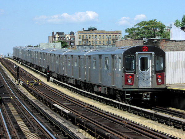 (93k, 600x450)<br><b>Country:</b> United States<br><b>City:</b> New York<br><b>System:</b> New York City Transit<br><b>Line:</b> IRT White Plains Road Line<br><b>Location:</b> 225th Street <br><b>Route:</b> 2<br><b>Car:</b> R-142 (Primary Order, Bombardier, 1999-2002)  6510 <br><b>Photo by:</b> Trevor Logan<br><b>Date:</b> 7/2001<br><b>Viewed (this week/total):</b> 1 / 6852