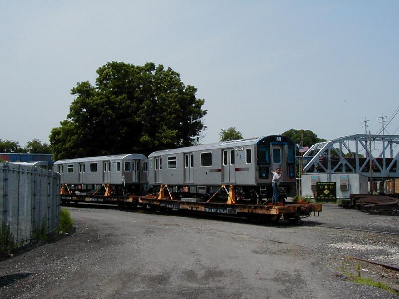 (64k, 800x600)<br><b>Country:</b> United States<br><b>City:</b> New York<br><b>System:</b> New York City Transit<br><b>Location:</b> LIRR/NY & Atlantic RR Fresh Pond Yard <br><b>Car:</b> R-142 (Primary Order, Bombardier, 1999-2002)  6515 <br><b>Photo by:</b> Doug Diamond<br><b>Date:</b> 7/2001<br><b>Viewed (this week/total):</b> 0 / 6116