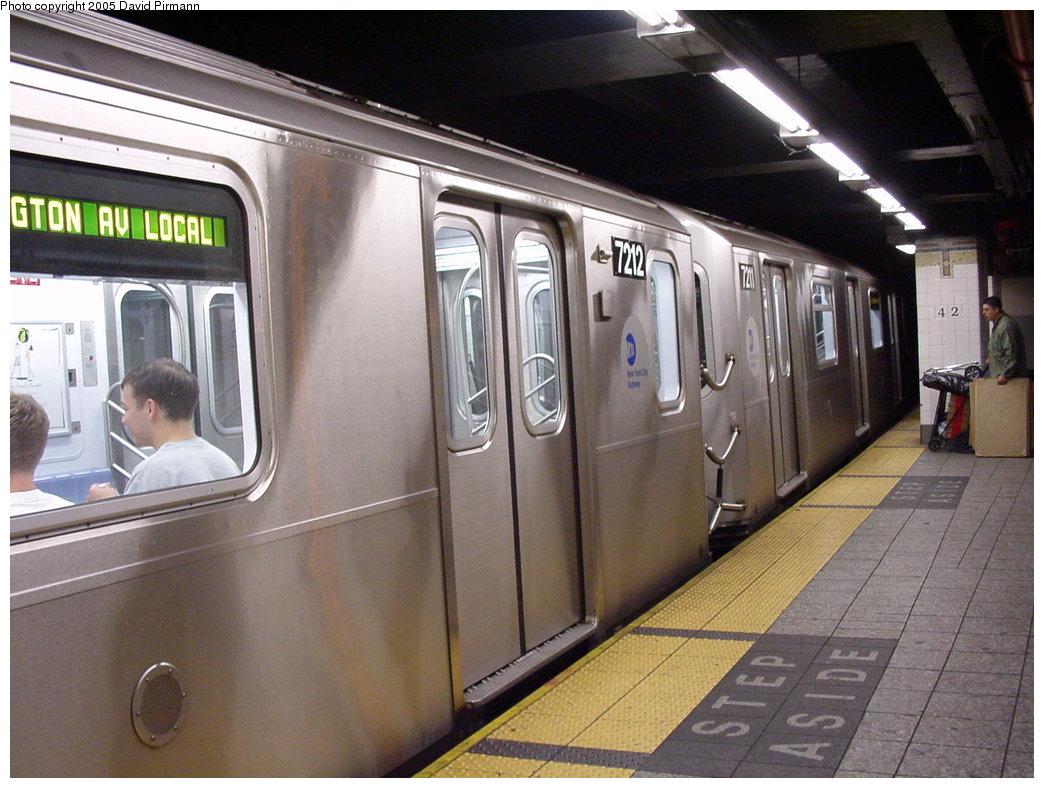 (179k, 1044x788)<br><b>Country:</b> United States<br><b>City:</b> New York<br><b>System:</b> New York City Transit<br><b>Line:</b> IRT East Side Line<br><b>Location:</b> Grand Central <br><b>Route:</b> 6<br><b>Car:</b> R-142A (Primary Order, Kawasaki, 1999-2002)  7212 <br><b>Photo by:</b> David Pirmann<br><b>Date:</b> 7/29/2000<br><b>Viewed (this week/total):</b> 0 / 6508