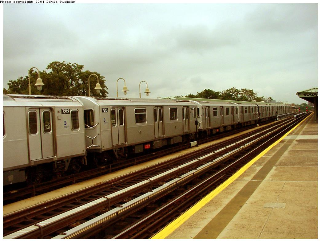 (124k, 1044x788)<br><b>Country:</b> United States<br><b>City:</b> New York<br><b>System:</b> New York City Transit<br><b>Line:</b> IRT Pelham Line<br><b>Location:</b> Westchester Square <br><b>Route:</b> 6<br><b>Car:</b> R-142A (Primary Order, Kawasaki, 1999-2002)  7213 <br><b>Photo by:</b> David Pirmann<br><b>Date:</b> 7/29/2000<br><b>Viewed (this week/total):</b> 0 / 3443