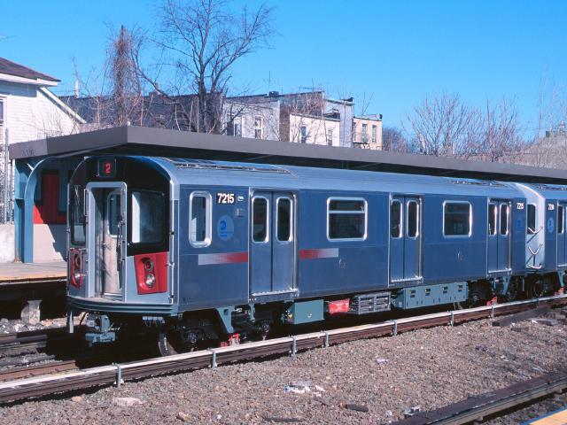 (64k, 640x480)<br><b>Country:</b> United States<br><b>City:</b> New York<br><b>System:</b> New York City Transit<br><b>Line:</b> IRT Dyre Ave. Line<br><b>Location:</b> Gun Hill Road <br><b>Car:</b> R-142A (Primary Order, Kawasaki, 1999-2002)  7215 <br><b>Photo by:</b> Chao-Hwa Chen<br><b>Date:</b> 3/6/2000<br><b>Viewed (this week/total):</b> 3 / 17729