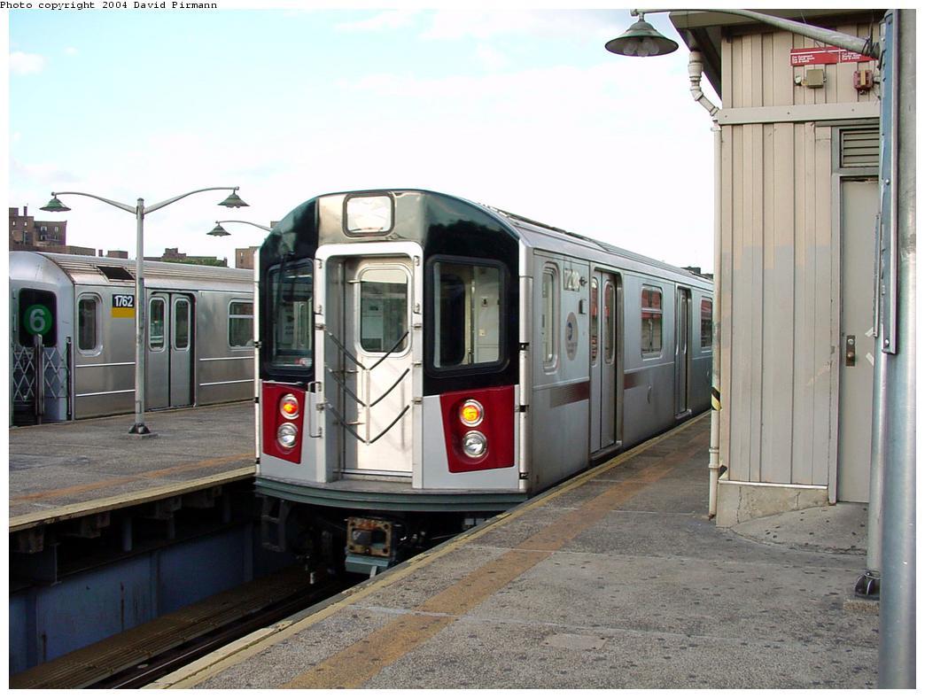 (123k, 1044x788)<br><b>Country:</b> United States<br><b>City:</b> New York<br><b>System:</b> New York City Transit<br><b>Line:</b> IRT Pelham Line<br><b>Location:</b> East 177th Street/Parkchester <br><b>Route:</b> 6<br><b>Car:</b> R-142A (Primary Order, Kawasaki, 1999-2002)  7220 <br><b>Photo by:</b> David Pirmann<br><b>Date:</b> 7/11/2000<br><b>Viewed (this week/total):</b> 0 / 5828