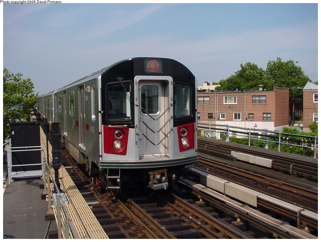(188k, 1044x788)<br><b>Country:</b> United States<br><b>City:</b> New York<br><b>System:</b> New York City Transit<br><b>Line:</b> IRT Pelham Line<br><b>Location:</b> Middletown Road <br><b>Route:</b> 6<br><b>Car:</b> R-142A (Primary Order, Kawasaki, 1999-2002)  7370 <br><b>Photo by:</b> David Pirmann<br><b>Date:</b> 7/4/2001<br><b>Viewed (this week/total):</b> 1 / 3781