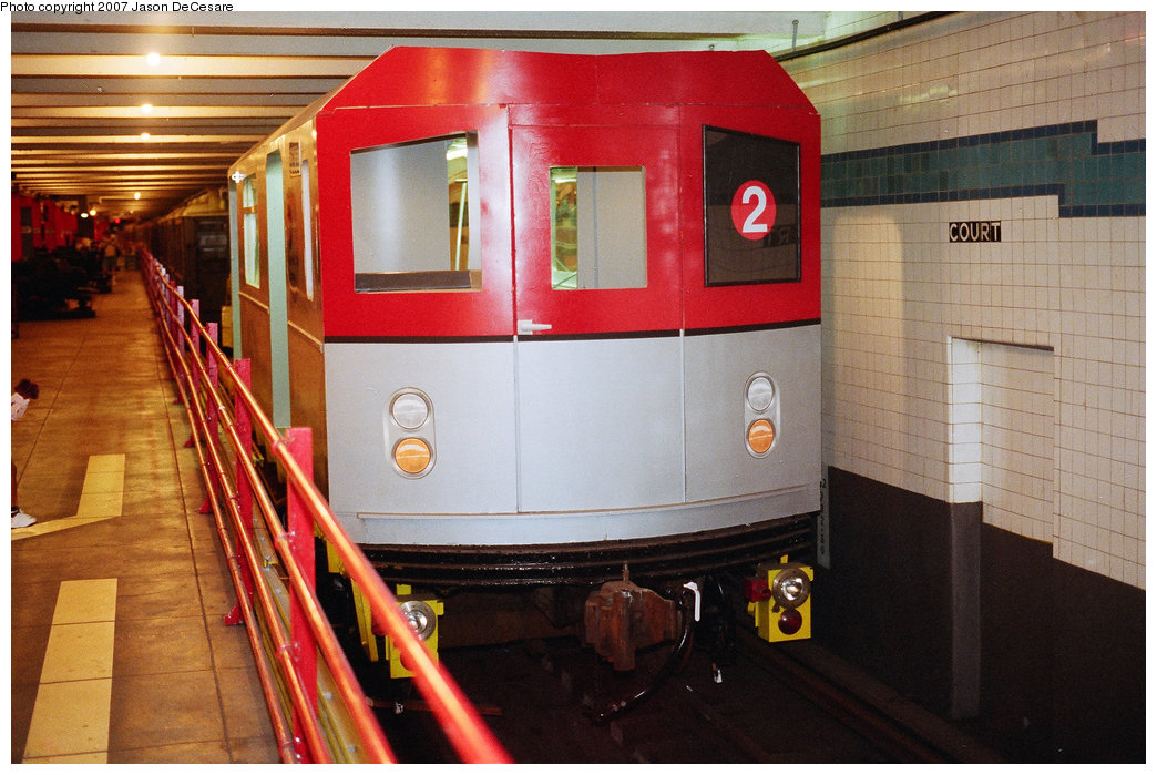 (196k, 1044x699)<br><b>Country:</b> United States<br><b>City:</b> New York<br><b>System:</b> New York City Transit<br><b>Location:</b> New York Transit Museum<br><b>Car:</b> R-142 or R-142A (Number Unknown) Mockup <br><b>Photo by:</b> Jason R. DeCesare<br><b>Date:</b> 7/11/1998<br><b>Notes:</b> Head view<br><b>Viewed (this week/total):</b> 0 / 18069