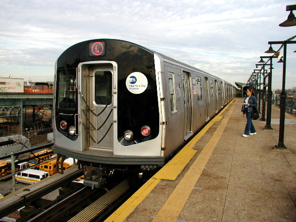 (89k, 600x450)<br><b>Country:</b> United States<br><b>City:</b> New York<br><b>System:</b> New York City Transit<br><b>Line:</b> BMT Canarsie Line<br><b>Location:</b> Atlantic Avenue <br><b>Route:</b> L<br><b>Car:</b> R-143 (Kawasaki, 2001-2002) 8108 <br><b>Photo by:</b> Trevor Logan<br><b>Date:</b> 12/6/2001<br><b>Viewed (this week/total):</b> 9 / 4531