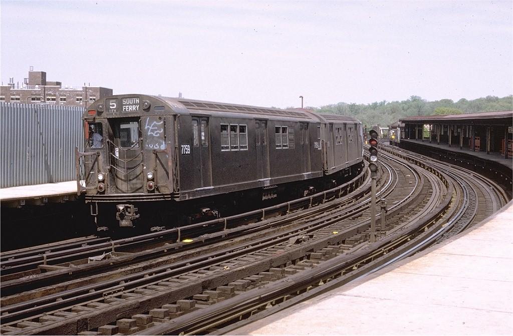 (205k, 1024x671)<br><b>Country:</b> United States<br><b>City:</b> New York<br><b>System:</b> New York City Transit<br><b>Line:</b> IRT White Plains Road Line<br><b>Location:</b> West Farms Sq./East Tremont Ave./177th St. <br><b>Route:</b> 5<br><b>Car:</b> R-26 (American Car & Foundry, 1959-60) 7759 <br><b>Photo by:</b> Joe Testagrose<br><b>Date:</b> 5/13/1972<br><b>Viewed (this week/total):</b> 0 / 5229