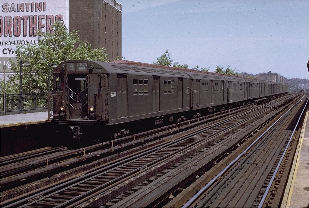 (271k, 1024x688)<br><b>Country:</b> United States<br><b>City:</b> New York<br><b>System:</b> New York City Transit<br><b>Line:</b> IRT Woodlawn Line<br><b>Location:</b> 170th Street <br><b>Route:</b> 4<br><b>Car:</b> R-26 (American Car & Foundry, 1959-60) 7778 <br><b>Photo by:</b> Joe Testagrose<br><b>Date:</b> 6/5/1971<br><b>Viewed (this week/total):</b> 0 / 3109