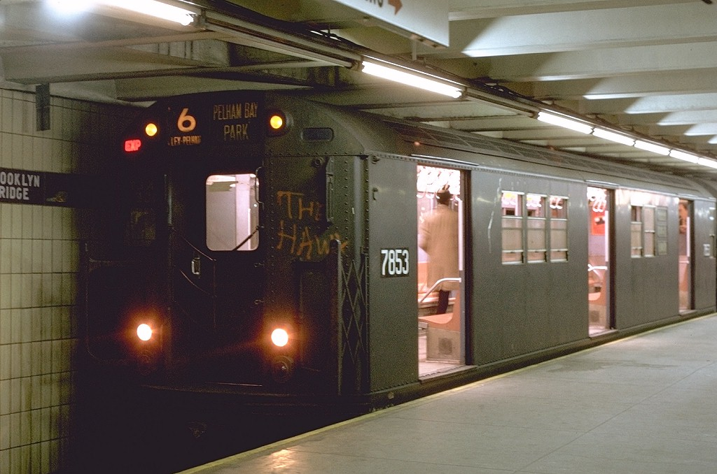 (178k, 1024x678)<br><b>Country:</b> United States<br><b>City:</b> New York<br><b>System:</b> New York City Transit<br><b>Line:</b> IRT East Side Line<br><b>Location:</b> Brooklyn Bridge/City Hall <br><b>Route:</b> 6<br><b>Car:</b> R-26 (American Car & Foundry, 1959-60) 7853 <br><b>Photo by:</b> Joe Testagrose<br><b>Date:</b> 10/28/1970<br><b>Viewed (this week/total):</b> 2 / 7801