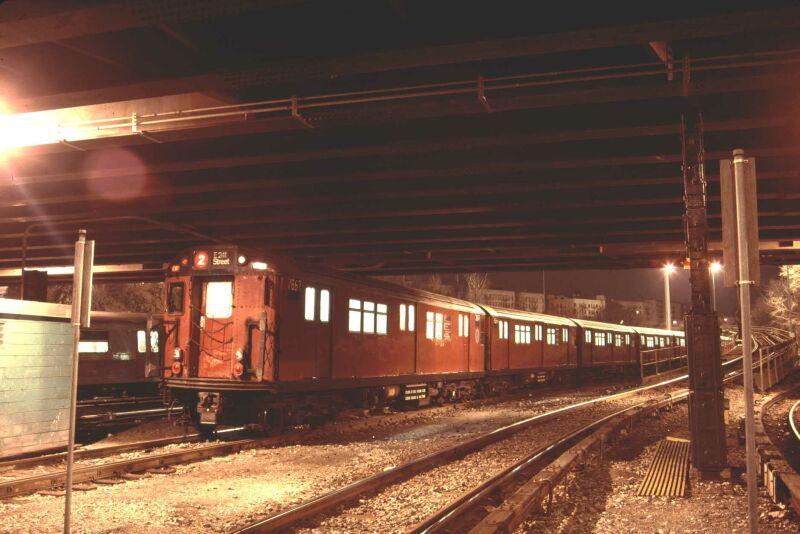 (71k, 800x534)<br><b>Country:</b> United States<br><b>City:</b> New York<br><b>System:</b> New York City Transit<br><b>Location:</b> Concourse Yard<br><b>Car:</b> R-28 (American Car & Foundry, 1960-61) 7867 <br><b>Photo by:</b> Glenn L. Rowe<br><b>Date:</b> 2/7/2002<br><b>Viewed (this week/total):</b> 3 / 5226