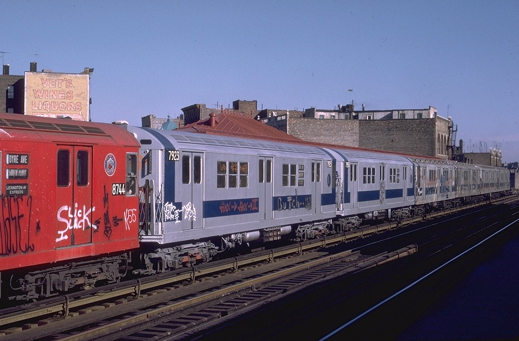 (192k, 1024x673)<br><b>Country:</b> United States<br><b>City:</b> New York<br><b>System:</b> New York City Transit<br><b>Line:</b> IRT White Plains Road Line<br><b>Location:</b> Prospect Avenue <br><b>Route:</b> 5<br><b>Car:</b> R-28 (American Car & Foundry, 1960-61) 7923 <br><b>Photo by:</b> Joe Testagrose<br><b>Date:</b> 11/23/1972<br><b>Viewed (this week/total):</b> 1 / 3973