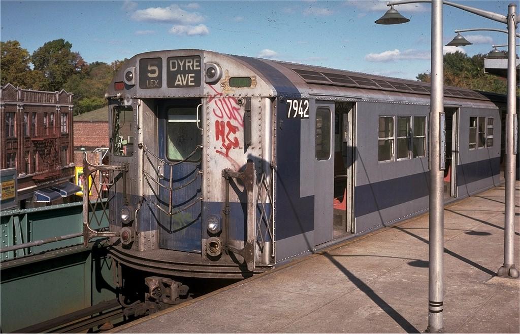 (226k, 1024x659)<br><b>Country:</b> United States<br><b>City:</b> New York<br><b>System:</b> New York City Transit<br><b>Line:</b> IRT Dyre Ave. Line<br><b>Location:</b> Dyre Avenue <br><b>Route:</b> 5<br><b>Car:</b> R-28 (American Car & Foundry, 1960-61) 7942 <br><b>Photo by:</b> Doug Grotjahn<br><b>Collection of:</b> Joe Testagrose<br><b>Date:</b> 10/20/1974<br><b>Viewed (this week/total):</b> 3 / 6368
