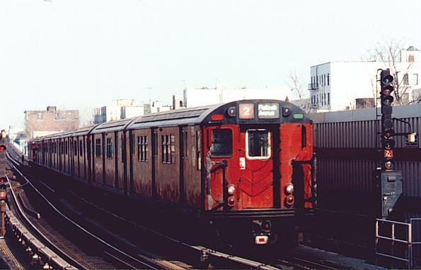 (33k, 595x381)<br><b>Country:</b> United States<br><b>City:</b> New York<br><b>System:</b> New York City Transit<br><b>Line:</b> IRT White Plains Road Line<br><b>Location:</b> Freeman Street <br><b>Route:</b> IRT 2<br><b>Car:</b> R-29 (St. Louis, 1962)  <br><b>Photo by:</b> Trevor Logan<br><b>Viewed (this week/total):</b> 0 / 3959