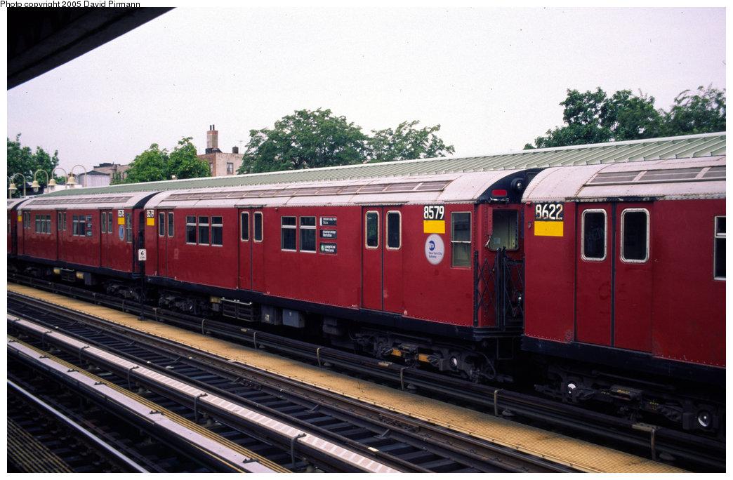 (188k, 1044x684)<br><b>Country:</b> United States<br><b>City:</b> New York<br><b>System:</b> New York City Transit<br><b>Line:</b> IRT Pelham Line<br><b>Location:</b> Westchester Square <br><b>Route:</b> 6<br><b>Car:</b> R-29 (St. Louis, 1962) 8579 <br><b>Photo by:</b> David Pirmann<br><b>Date:</b> 7/21/1999<br><b>Viewed (this week/total):</b> 3 / 3850