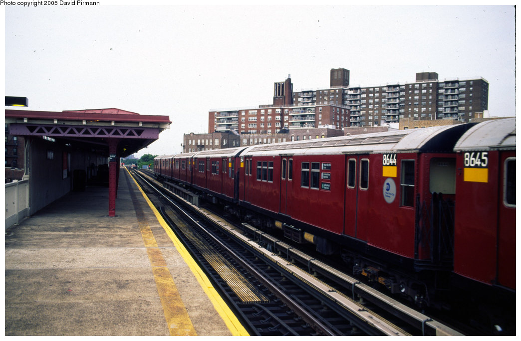 (179k, 1044x684)<br><b>Country:</b> United States<br><b>City:</b> New York<br><b>System:</b> New York City Transit<br><b>Line:</b> IRT Pelham Line<br><b>Location:</b> Buhre Avenue <br><b>Route:</b> 6<br><b>Car:</b> R-29 (St. Louis, 1962) 8644 <br><b>Photo by:</b> David Pirmann<br><b>Date:</b> 7/21/1999<br><b>Viewed (this week/total):</b> 4 / 4670