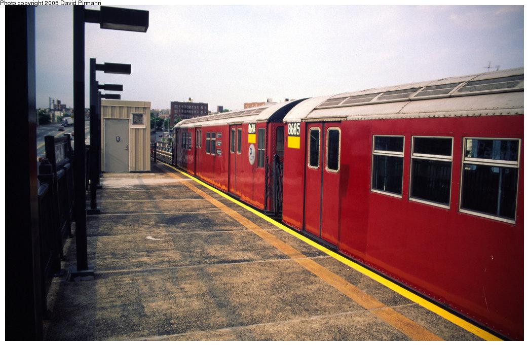 (179k, 1044x682)<br><b>Country:</b> United States<br><b>City:</b> New York<br><b>System:</b> New York City Transit<br><b>Line:</b> IRT Pelham Line<br><b>Location:</b> Whitlock Avenue <br><b>Route:</b> 6<br><b>Car:</b> R-29 (St. Louis, 1962) 8684 <br><b>Photo by:</b> David Pirmann<br><b>Date:</b> 7/21/1999<br><b>Viewed (this week/total):</b> 2 / 3960