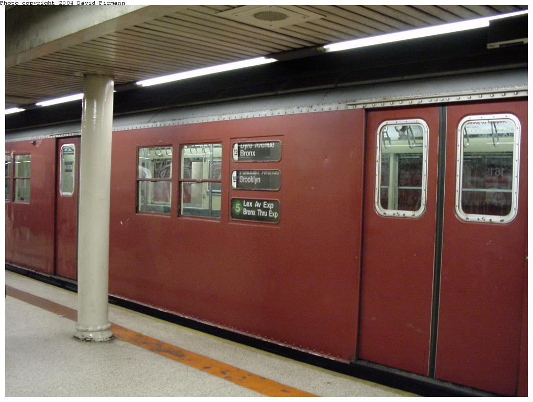 (110k, 1044x788)<br><b>Country:</b> United States<br><b>City:</b> New York<br><b>System:</b> New York City Transit<br><b>Line:</b> IRT East Side Line<br><b>Location:</b> Bowling Green <br><b>Route:</b> 5<br><b>Car:</b> R-29 (St. Louis, 1962) 8700 <br><b>Photo by:</b> David Pirmann<br><b>Date:</b> 7/11/2000<br><b>Viewed (this week/total):</b> 3 / 8182