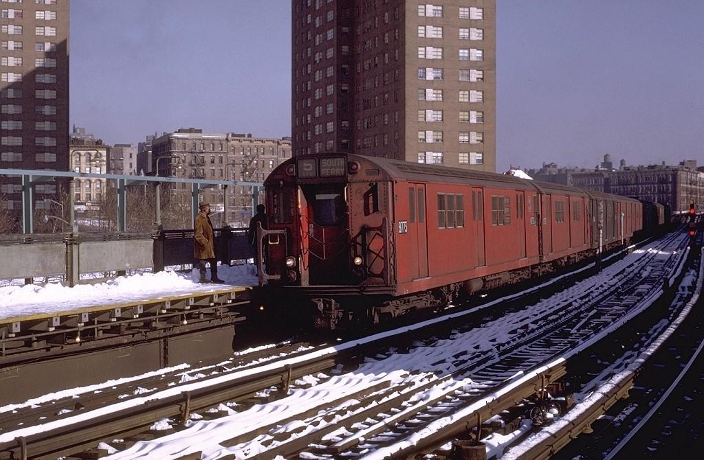 (229k, 1024x670)<br><b>Country:</b> United States<br><b>City:</b> New York<br><b>System:</b> New York City Transit<br><b>Line:</b> IRT White Plains Road Line<br><b>Location:</b> Jackson Avenue <br><b>Route:</b> 5<br><b>Car:</b> R-29 (St. Louis, 1962) 8773 <br><b>Photo by:</b> Joe Testagrose<br><b>Date:</b> 1/2/1971<br><b>Viewed (this week/total):</b> 0 / 4365