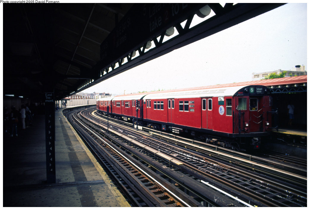 (184k, 1044x709)<br><b>Country:</b> United States<br><b>City:</b> New York<br><b>System:</b> New York City Transit<br><b>Line:</b> IRT White Plains Road Line<br><b>Location:</b> West Farms Sq./East Tremont Ave./177th St. <br><b>Car:</b> R-29 (St. Louis, 1962) 8796 <br><b>Photo by:</b> David Pirmann<br><b>Date:</b> 7/21/1999<br><b>Viewed (this week/total):</b> 0 / 5087