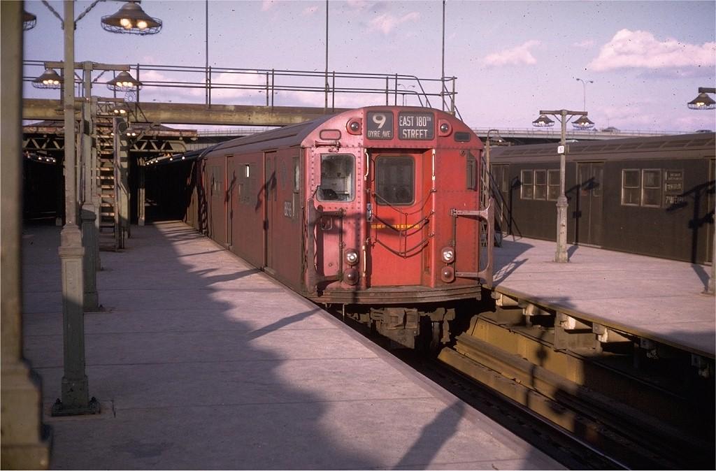 (179k, 1024x674)<br><b>Country:</b> United States<br><b>City:</b> New York<br><b>System:</b> New York City Transit<br><b>Line:</b> IRT White Plains Road Line<br><b>Location:</b> East 180th Street <br><b>Route:</b> 9<br><b>Car:</b> R-33 Main Line (St. Louis, 1962-63) 8896 <br><b>Collection of:</b> Joe Testagrose<br><b>Date:</b> 3/14/1970<br><b>Viewed (this week/total):</b> 1 / 4433
