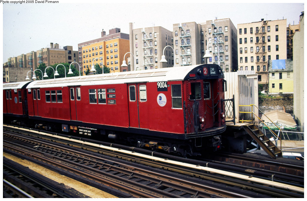 (240k, 1044x683)<br><b>Country:</b> United States<br><b>City:</b> New York<br><b>System:</b> New York City Transit<br><b>Line:</b> IRT White Plains Road Line<br><b>Location:</b> 174th Street <br><b>Car:</b> R-33 Main Line (St. Louis, 1962-63) 9004 <br><b>Photo by:</b> David Pirmann<br><b>Date:</b> 7/21/1999<br><b>Viewed (this week/total):</b> 1 / 5161