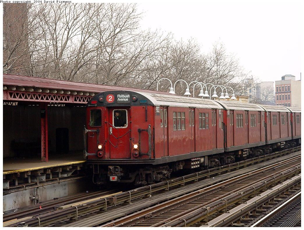 (172k, 1044x788)<br><b>Country:</b> United States<br><b>City:</b> New York<br><b>System:</b> New York City Transit<br><b>Line:</b> IRT White Plains Road Line<br><b>Location:</b> Jackson Avenue <br><b>Route:</b> 2<br><b>Car:</b> R-33 Main Line (St. Louis, 1962-63) 9032 <br><b>Photo by:</b> David Pirmann<br><b>Date:</b> 1/14/2001<br><b>Viewed (this week/total):</b> 0 / 4769
