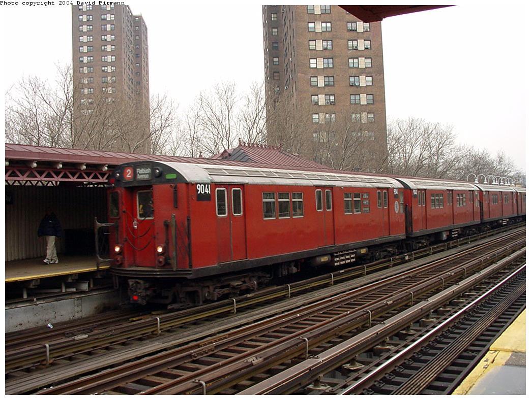 (157k, 1044x788)<br><b>Country:</b> United States<br><b>City:</b> New York<br><b>System:</b> New York City Transit<br><b>Line:</b> IRT White Plains Road Line<br><b>Location:</b> Jackson Avenue <br><b>Route:</b> 2<br><b>Car:</b> R-33 Main Line (St. Louis, 1962-63) 9041 <br><b>Photo by:</b> David Pirmann<br><b>Date:</b> 1/14/2001<br><b>Viewed (this week/total):</b> 0 / 4155