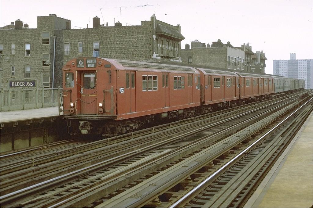 (247k, 1024x682)<br><b>Country:</b> United States<br><b>City:</b> New York<br><b>System:</b> New York City Transit<br><b>Line:</b> IRT Pelham Line<br><b>Location:</b> Elder Avenue <br><b>Route:</b> 6<br><b>Car:</b> R-33 Main Line (St. Louis, 1962-63) 9097 <br><b>Photo by:</b> Joe Testagrose<br><b>Date:</b> 9/20/1971<br><b>Viewed (this week/total):</b> 1 / 4283