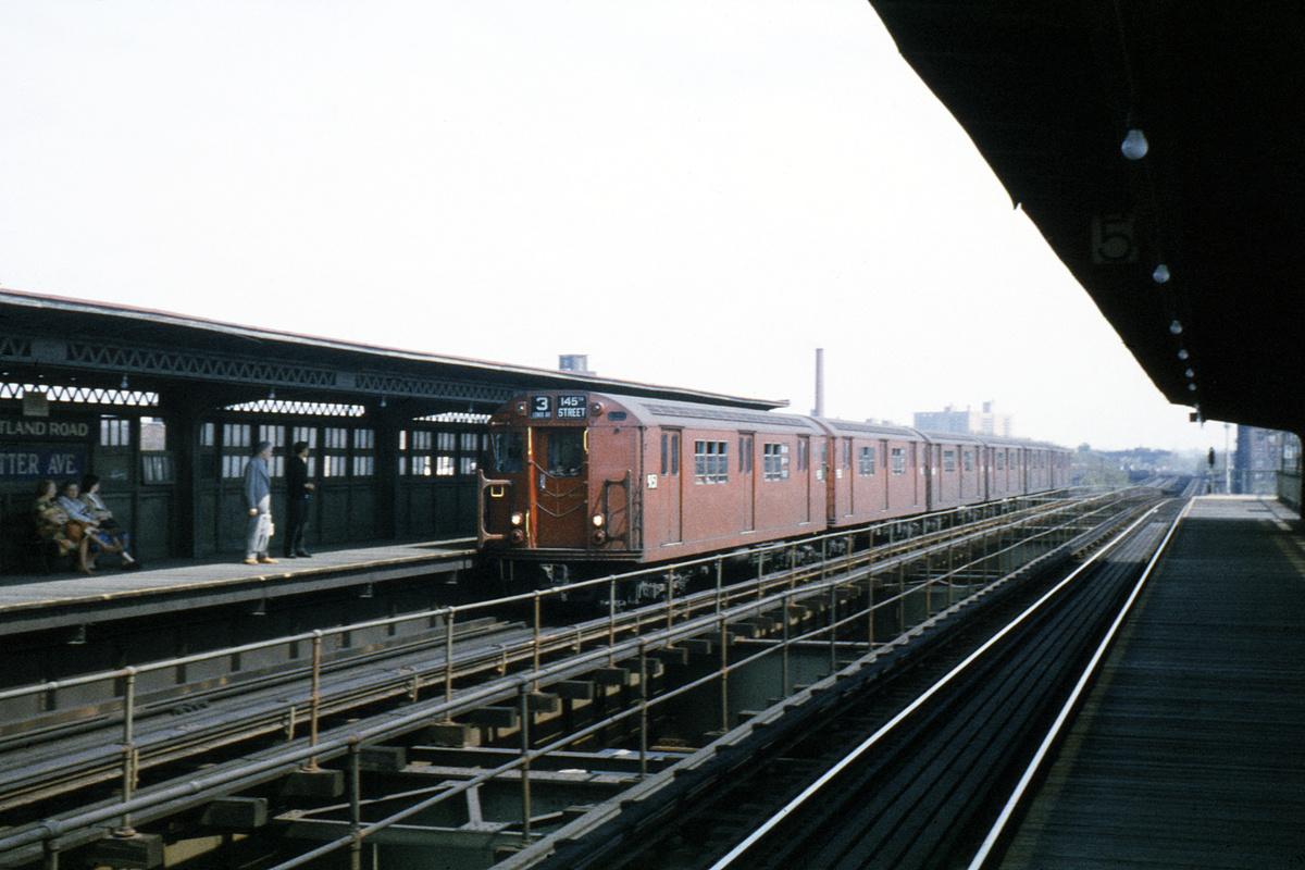 (329k, 1044x714)<br><b>Country:</b> United States<br><b>City:</b> New York<br><b>System:</b> New York City Transit<br><b>Line:</b> IRT Brooklyn Line<br><b>Location:</b> Sutter Avenue/Rutland Road <br><b>Route:</b> 3<br><b>Car:</b> R-33 Main Line (St. Louis, 1962-63) 9151 <br><b>Collection of:</b> David Pirmann<br><b>Date:</b> 5/5/1963<br><b>Viewed (this week/total):</b> 0 / 6720
