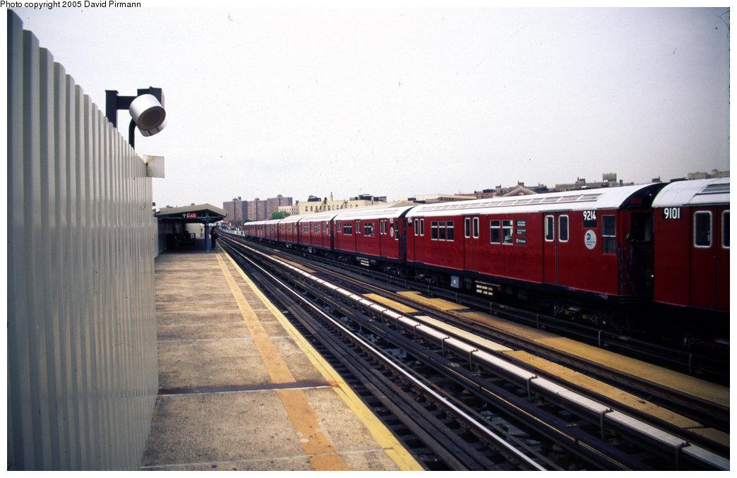 (163k, 1044x677)<br><b>Country:</b> United States<br><b>City:</b> New York<br><b>System:</b> New York City Transit<br><b>Line:</b> IRT White Plains Road Line<br><b>Location:</b> Prospect Avenue <br><b>Car:</b> R-33 Main Line (St. Louis, 1962-63) 9214 <br><b>Photo by:</b> David Pirmann<br><b>Date:</b> 7/21/1999<br><b>Viewed (this week/total):</b> 7 / 4639