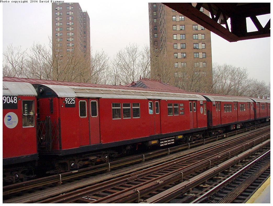 (152k, 1044x788)<br><b>Country:</b> United States<br><b>City:</b> New York<br><b>System:</b> New York City Transit<br><b>Line:</b> IRT White Plains Road Line<br><b>Location:</b> Jackson Avenue <br><b>Route:</b> 2<br><b>Car:</b> R-33 Main Line (St. Louis, 1962-63) 9225 <br><b>Photo by:</b> David Pirmann<br><b>Date:</b> 1/14/2001<br><b>Notes:</b> Mismated pair, 9130-9225.<br><b>Viewed (this week/total):</b> 6 / 4348