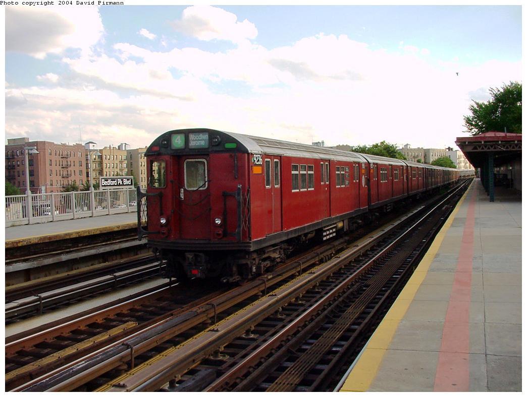 (121k, 1044x788)<br><b>Country:</b> United States<br><b>City:</b> New York<br><b>System:</b> New York City Transit<br><b>Line:</b> IRT Woodlawn Line<br><b>Location:</b> Bedford Park Boulevard <br><b>Route:</b> 4<br><b>Car:</b> R-33 Main Line (St. Louis, 1962-63) 9236 <br><b>Photo by:</b> David Pirmann<br><b>Date:</b> 7/12/2001<br><b>Viewed (this week/total):</b> 1 / 3683