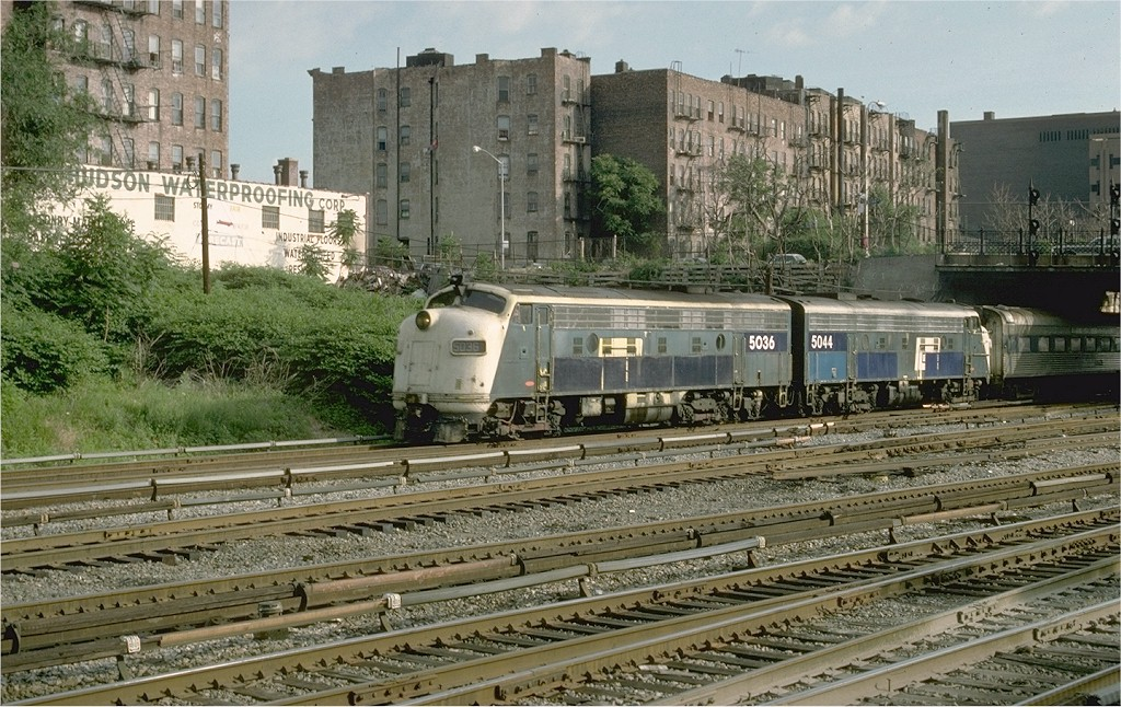 (263k, 1024x646)<br><b>Country:</b> United States<br><b>City:</b> New York<br><b>System:</b> Metro-North Railroad (or Amtrak or Predecessor RR)<br><b>Line:</b> Metro North-Harlem Line<br><b>Location:</b> 143rd St. <br><b>Car:</b> MNRR/NH FL9 5036 <br><b>Photo by:</b> Ed McKernan<br><b>Collection of:</b> Joe Testagrose<br><b>Date:</b> 6/16/1977<br><b>Viewed (this week/total):</b> 3 / 3560