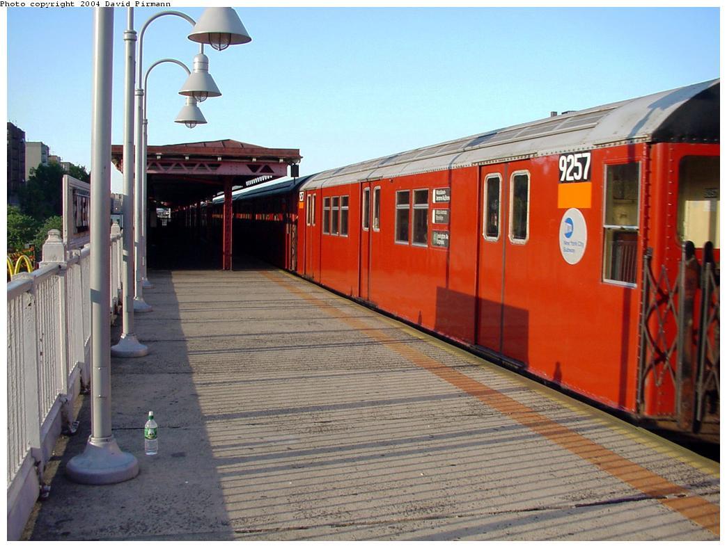 (129k, 1044x788)<br><b>Country:</b> United States<br><b>City:</b> New York<br><b>System:</b> New York City Transit<br><b>Line:</b> IRT Woodlawn Line<br><b>Location:</b> Mt. Eden Avenue <br><b>Route:</b> 4<br><b>Car:</b> R-33 Main Line (St. Louis, 1962-63) 9257 <br><b>Photo by:</b> David Pirmann<br><b>Date:</b> 7/12/2001<br><b>Viewed (this week/total):</b> 0 / 4461