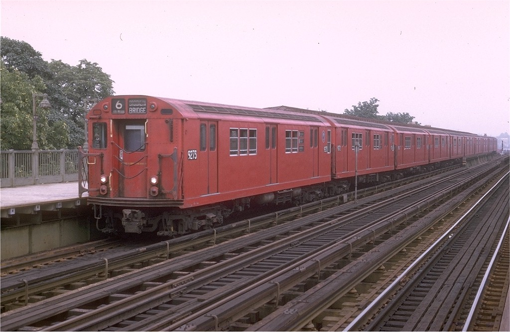 (180k, 1024x668)<br><b>Country:</b> United States<br><b>City:</b> New York<br><b>System:</b> New York City Transit<br><b>Line:</b> IRT Pelham Line<br><b>Location:</b> Westchester Square <br><b>Route:</b> 6<br><b>Car:</b> R-33 Main Line (St. Louis, 1962-63) 9273 <br><b>Photo by:</b> Joe Testagrose<br><b>Date:</b> 8/1/1970<br><b>Viewed (this week/total):</b> 1 / 4275