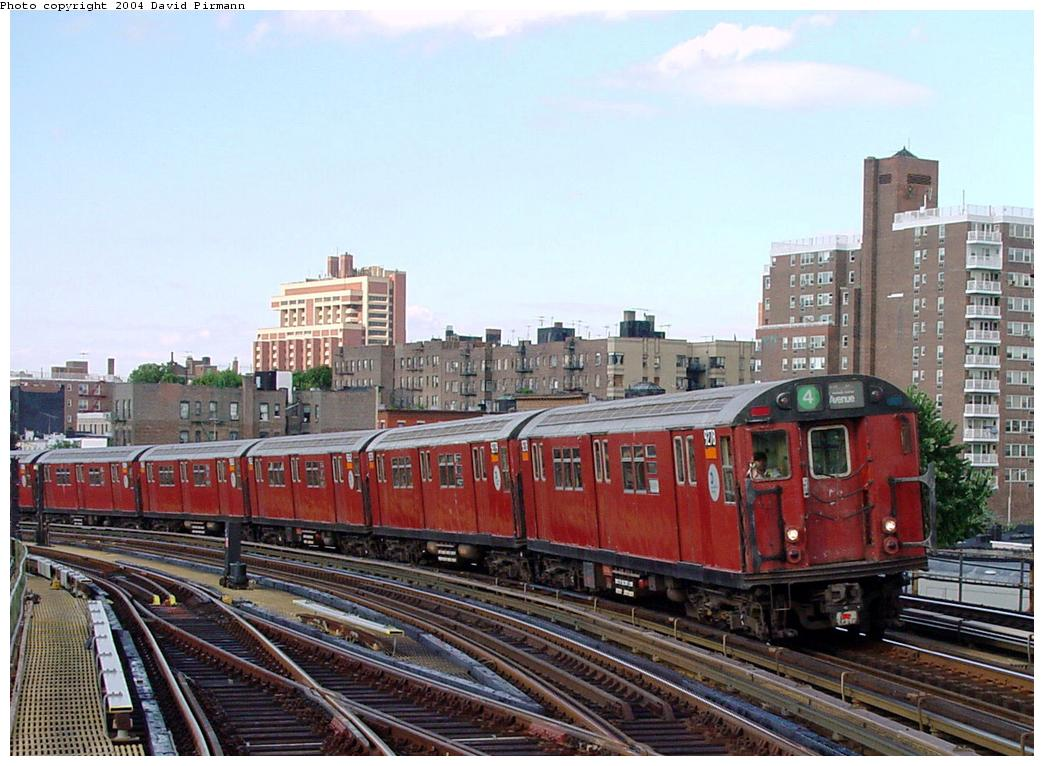 (136k, 1044x766)<br><b>Country:</b> United States<br><b>City:</b> New York<br><b>System:</b> New York City Transit<br><b>Line:</b> IRT Woodlawn Line<br><b>Location:</b> Bedford Park Boulevard <br><b>Route:</b> 4<br><b>Car:</b> R-33 Main Line (St. Louis, 1962-63) 9278 <br><b>Photo by:</b> David Pirmann<br><b>Date:</b> 7/12/2001<br><b>Viewed (this week/total):</b> 0 / 4068