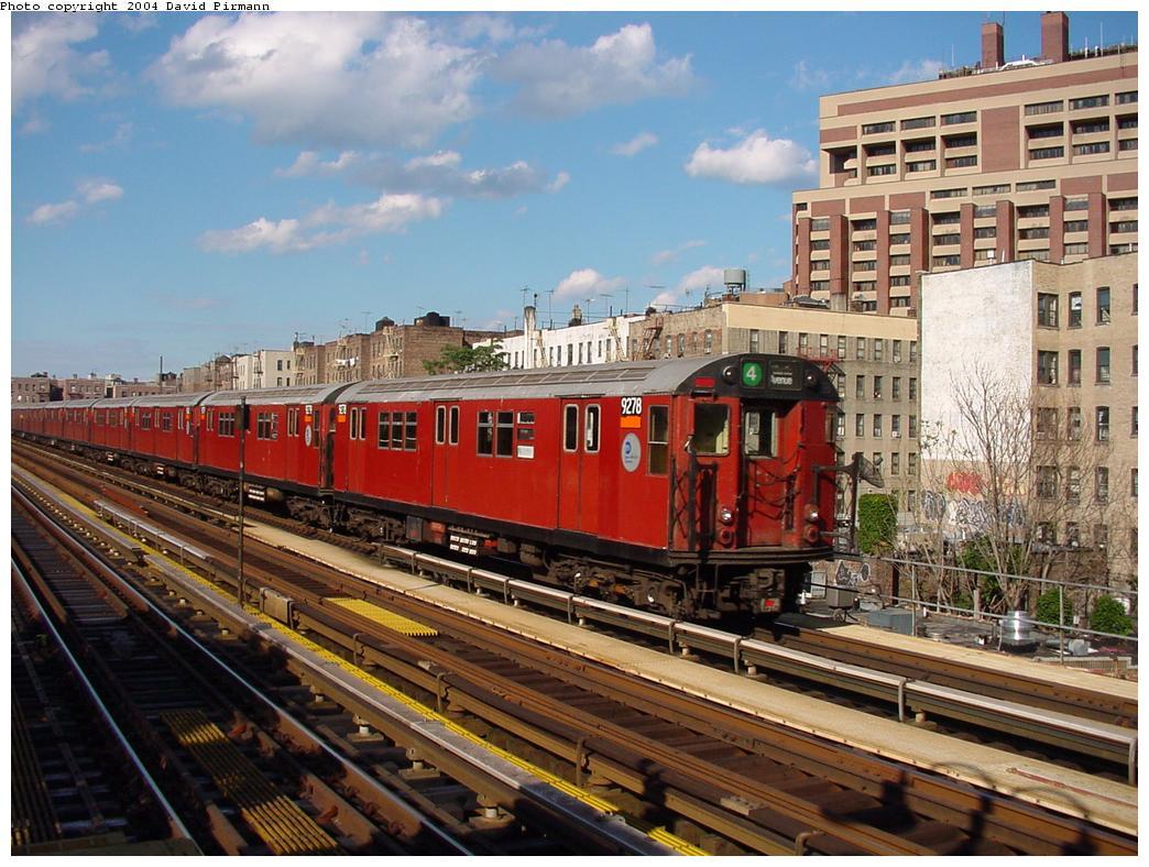 (153k, 1044x788)<br><b>Country:</b> United States<br><b>City:</b> New York<br><b>System:</b> New York City Transit<br><b>Line:</b> IRT Woodlawn Line<br><b>Location:</b> Mosholu Parkway <br><b>Route:</b> 4<br><b>Car:</b> R-33 Main Line (St. Louis, 1962-63) 9278 <br><b>Photo by:</b> David Pirmann<br><b>Date:</b> 7/12/2001<br><b>Viewed (this week/total):</b> 4 / 5957