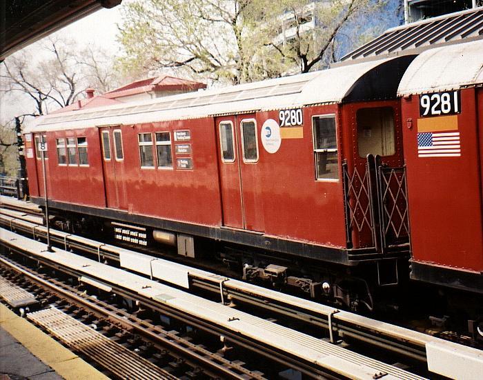 (95k, 700x551)<br><b>Country:</b> United States<br><b>City:</b> New York<br><b>System:</b> New York City Transit<br><b>Line:</b> IRT Flushing Line<br><b>Location:</b> Willets Point/Mets (fmr. Shea Stadium) <br><b>Route:</b> 7<br><b>Car:</b> R-33 Main Line (St. Louis, 1962-63) 9280 <br><b>Photo by:</b> Gary Chatterton<br><b>Date:</b> 4/13/2002<br><b>Viewed (this week/total):</b> 5 / 3072