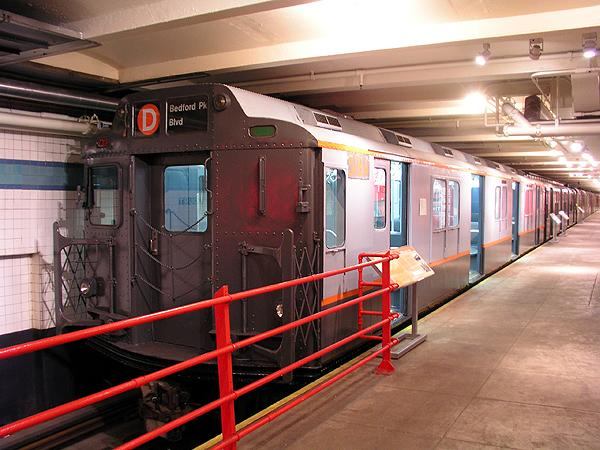 (73k, 600x450)<br><b>Country:</b> United States<br><b>City:</b> New York<br><b>System:</b> New York City Transit<br><b>Location:</b> New York Transit Museum<br><b>Car:</b> R-10 (American Car & Foundry, 1948) 3184 <br><b>Photo by:</b> Trevor Logan<br><b>Date:</b> 5/16/2004<br><b>Viewed (this week/total):</b> 7 / 14498