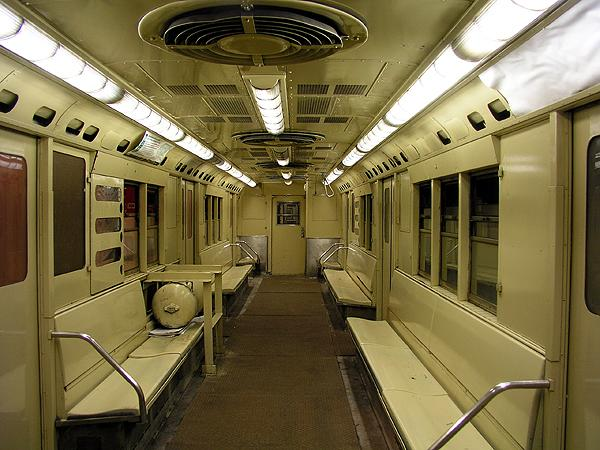 (75k, 600x450)<br><b>Country:</b> United States<br><b>City:</b> New York<br><b>System:</b> New York City Transit<br><b>Location:</b> New York Transit Museum<br><b>Car:</b> R-22 (St. Louis, 1957-58) 37371 <br><b>Photo by:</b> Trevor Logan<br><b>Date:</b> 5/16/2004<br><b>Viewed (this week/total):</b> 1 / 18959
